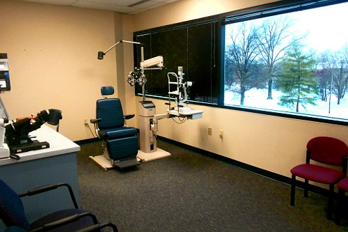 St. Louis Primary Eye Care exam room